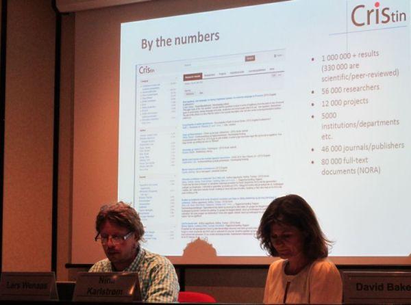 Lars Wenaas ja Nina Karlstrøm esittelevät CRIStiniä.