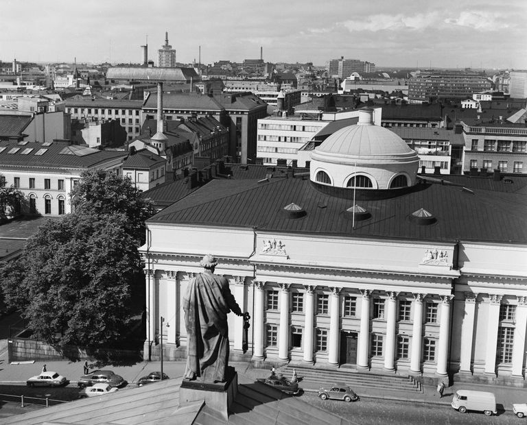 Kuva: Näköala Tuomiokirkon tornista länteen 1960. Kuvaaja Volker von Bonin. Helsingin kaupunginmuseo / Finna.fi. Käyttöoikeudet: CC BY 4.0