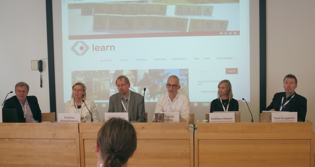 Kuva: LEARN-projektin järjestämässä paneelissa keskustelijoina olivat Paolo Budroni, Kristiina Hormia-Poutanen, Juha Haataja, Jean-François Dechamp, Kathleen Shearer ja Tomi Kauppinen