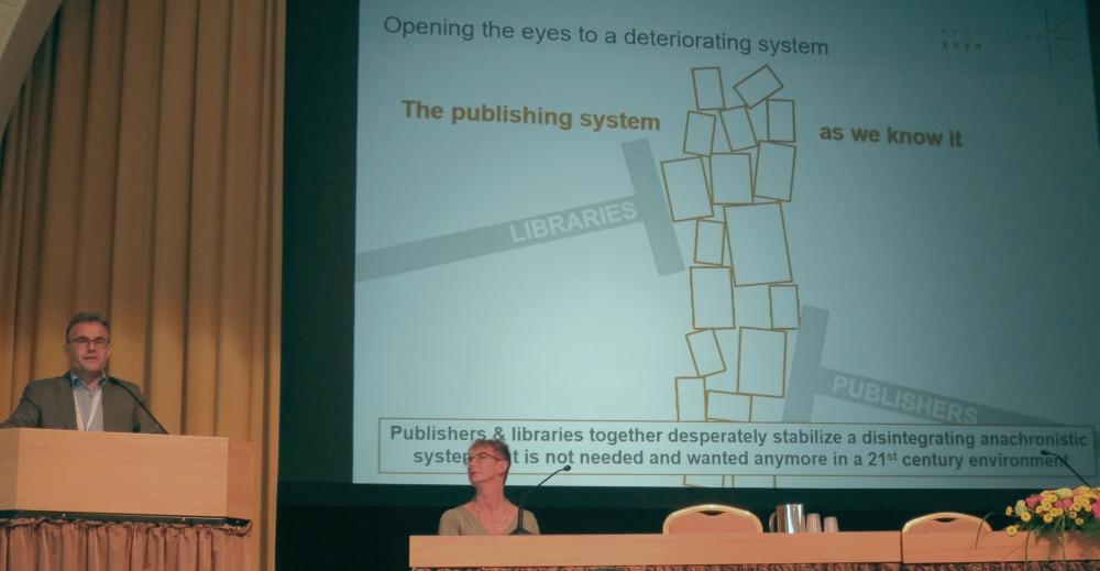 Kuva: Schimmerin mukaan tämänhetkinen tieteellisen kustantamisen järjestelmä on hajoamassa