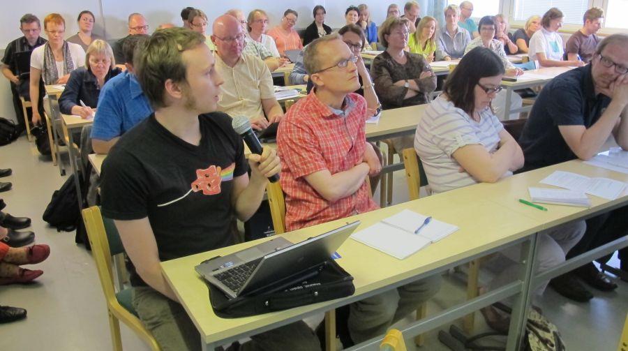 Kuva 14.6.2012 järjestetystä julkaisuarkistoseminaarista.